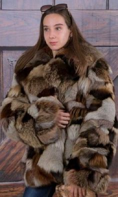 Fur Fashion, Fashion Dolls, Womens Fashion, Fox Fur Coat, Fur Coats, Cosy Outfit, Fabulous Fox, Sheepskin Coat, Cute Jackets