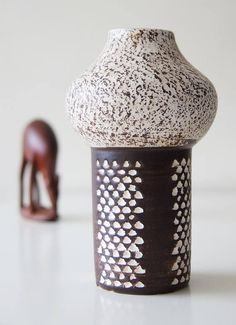 Bekijk dit items in mijn Etsy shop https://www.etsy.com/nl/listing/530594586/rare-shaped-strehla-vase-germany-mid