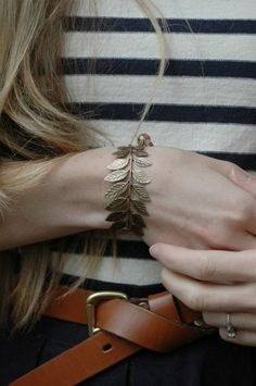 lovely leaf bracelet