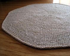 eclectic me: Calico Crochet Rug & Pattern.....