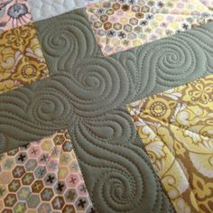 quilting idea for sashing | great contemporary and unexpected solution for sashing