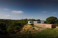 Imagen 1 de 29 de la galería de Casa en Melides / Pedro Reis. Fotografía de FG + SG
