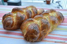 Pâine cu lapte împletită în 3 rețeta pas cu pas | Savori Urbane Dessert Recipes, Desserts, Dinner, Cooking, Breads, Bread, Dining, Baking Center, Postres