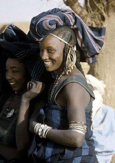 Wodaabe women, Chadawanka village, Niger 1971, by Eliot Elisofon