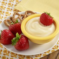 White Chocolate Lemon Fruit Dip: A dessert dip recipe with white chocolate and lemon juice stirred into vanilla pudding to use as a dip with fresh fruit and/or pretzels Chocolate Blanco, White Chocolate, Dip Recipes, Cooking Recipes, Recipies, Pudding Recipes, Summer Recipes, Lemon Fruit Dip Recipe, Dessert Dips