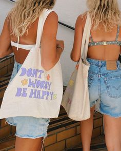 """★ BANANA ★ on Instagram: """"don't worry be happy 💐 totes from: @shop.olivelynn"""" Summer Baby, Summer Girls, Summer Dream, Summer Outfits, Cute Outfits, Summer Tote Bags, Summer Feeling, Summer Things, The Beach"""