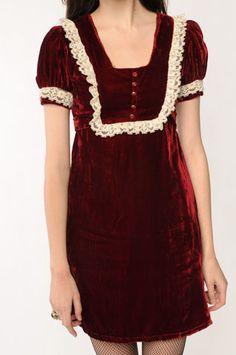 Porcelain Velvet Babydoll dress (sold out) @ Nastygal Image Fashion, 90s Fashion, Fashion Outfits, Pretty Outfits, Pretty Dresses, Cute Outfits, Babydoll Dress, I Dress, Dress Red