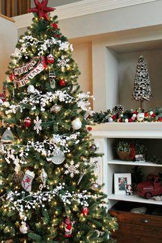 Edited-Christmas-Home-Tour - Top 15 Christmas Projects Noel Christmas, Christmas Projects, All Things Christmas, White Christmas, Elegant Christmas, Modern Christmas, Christmas 2019, Christmas Lights, Decorations Christmas