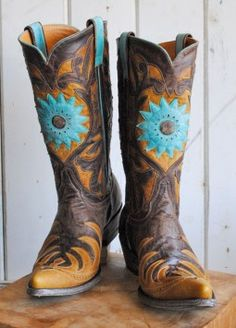 Cowboy Boots...... I've really been wanting a pair lately....sigh