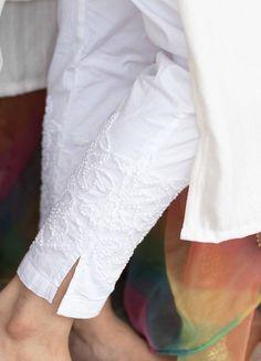 Indian Dress Up, Indian Attire, High Neck Kurti Design, White Kurtis, Pakistani Party Wear Dresses, Women Wear, Ladies Wear, Look Chic, White Pants
