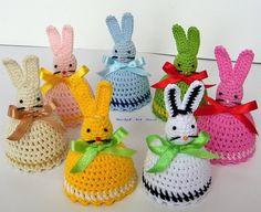 Kapelusiki Na Jajka -Zające - Beskid-Art - Diy Crafts Easter Crochet Patterns, Crochet Bunny, Easter Projects, Easter Crafts, Easter Wallpaper, Christmas Cross, Crochet Gifts, Baby Knitting, Crochet Projects