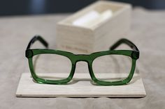 // MAHARAJA COLELCTION // GREEN PASS Mazzucchelli acetate frame, flex temples and Zeiss transparent lenses with uv-400 filter, buy it on http://www.craftsmanchic.com/it/delirious/modello