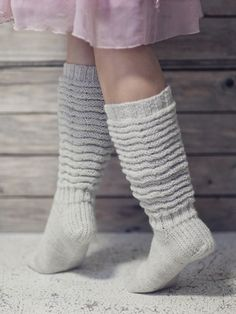 Pretty crinkle-leg socks worked in Novita Nalle (Teddy Bear) yarn can be worn long as knee-socks or with leg crinkled down. Woolen Socks, Knitting Videos, Colorful Socks, Boot Cuffs, Yarn Needle, Knitting Socks, Knit Socks, Pullover, Leg Warmers