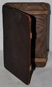 Vintage Leather Fold & Flip Strap Wallet in a Very Good Condition