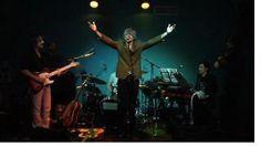 Milano O5/04/2012. Dal nostro corrispondente. Grande successo ieri al Biko di Milano per lo show http://www.iyezine.com/articoli/1757-marco-levi.-lo-show-surreale-del-cantautore-bionico.-.htm