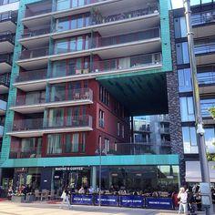 Modern architecture - Tjuvholmen, Oslo #modern #modernliving #modernearkitektur #modernarchitecture #beautifularchitecture #leilighet #apartments #oslo #norway