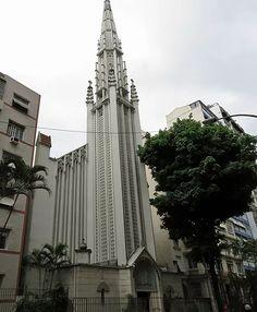 Igreja da Santíssima Trindade. História, religião, arte e arquitetura.