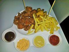 #pepite di #pollo #patatine #salse #gourmet #fritti #essencewinebar
