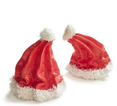 Santa Hat Meringues: Pipe at an angle to create floppy hats. These tasty homemade holiday treats are so easy to make a kid can do it. Find more easy homemade Christmas candy, treat and dessert recipes and ideas here. Christmas Sweets, Christmas Goodies, Christmas Candy, Christmas Desserts, Holiday Treats, Christmas Baking, Holiday Recipes, Christmas Recipes, Homemade Christmas