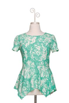 Dressing Your Truth - Type 1 Mint Leaves Top -- so cute! I love the peplum shape and the bright, fun color.