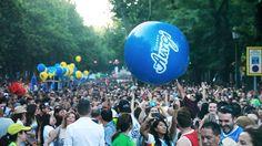 Desfile Orgullo Gay 2013 por las calles de Madrid.  Más info en http://www.aurgi.com/index.php/noticias/221-aurgi-reinventa-la-publicidad-del-sector-mecanico