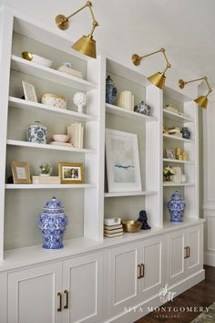 Built ins with lights. Sita Montgomery Interiors: My Home Office Makeover Reveal Muebles Living, Bookshelves Built In, Built In Shelves Living Room, Book Shelves, Rustic Bookshelf, Shelves Built Into Wall, Book Shelf Diy, Diy Bookshelf Wall, Modern Interiors