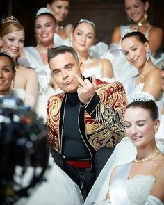 """Robbie Williams (""""Party Like a Russian"""" video) Robbie Williams Take That, Russian Video, Russian Party, Alex Turner, Most Handsome Men, Music Love, Music Artists, Boy Bands, Beautiful Men"""