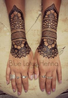 Henna Tattoo is one of the most amazing and painless way to decorate one's body artistically, No cutting, no needles painless temporary henna tattoos are actually natural paste. Beautiful images of Henna Tattoo Designs & ideas for your inspiration. Mehndi Tattoo, Henna Tattoos, 1 Tattoo, Henna Mehndi, Piercing Tattoo, Temporary Tattoos, Body Art Tattoos, Mehendi, Glitter Tattoos