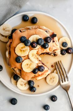 This Fluffy Coconut Vanilla Pancakes recipe is featured in the Vegan feed along with many more. Almond Milk Pancakes, Pancakes Végétaliens, Vanilla Pancakes, Dairy Free Pancakes, Banana Pancakes, Breakfast Pancakes, Breakfast And Brunch, Vegan Breakfast, Breakfast Recipes