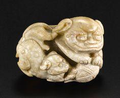 清十七至十八世紀 白化太獅少獅把件