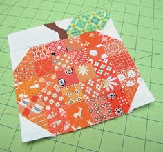Pumpkin Block Tutorial - I'd like to do this in pretty fall fabrics as a wall hanging. Bee In My Bonnet: Search results for pumpkin