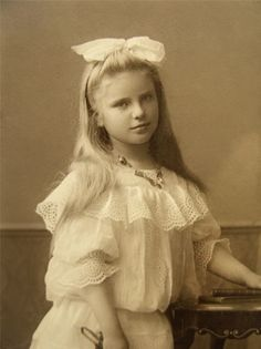 :::::::::: Antique Photograph ::::::::::  Young blond girl in white c. 1900