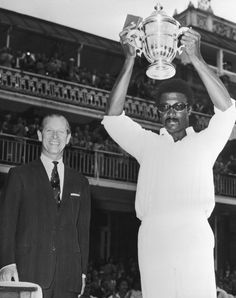 #OnThisDay – 1975 World Cup: First men's cricket World Cup won by West Indies led by their captain Clive Lloyd who scored a whirlwind 102 off 85 ably supported by Kieth Boyce's all-round performance (34 & 4/50) against Australia