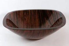 cuba de vidro quadrada banheiro marrom com detalhes madeira