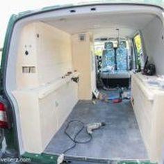 pvc boden verlegen im vw bus vw bus ausbau t5 pinterest vw bus ausbau vw busse und. Black Bedroom Furniture Sets. Home Design Ideas