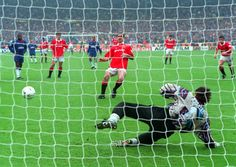 @manutd's Eric Cantona demonstrates his peerless ability from the spot as he dispatches his second penalty kick in the 4-0 FA Cup final win over Chelsea in 1994.