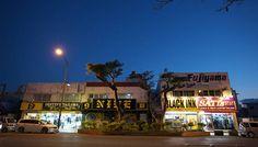 1972年5月15日までの27年間、沖縄は米軍の統治下にあった。当時を生きた人たちはいま、何を思っているのか。音楽家やレストランの経営者たちを訪ね、「沖縄と今」を考えた。