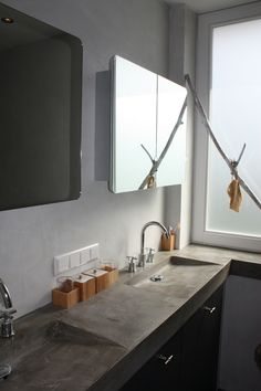 Badkamermeubel met betonnen blad