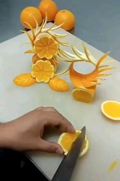 Vegetable Decoration, Food Decoration, Food Crafts, Diy Food, Food Garnishes, Garnishing Ideas, Creative Food Art, Creative Ideas, Food Sculpture