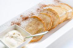 Deze week is het de week van glutenvrije Quinoa (pan)cakejes en taartjes! Onze Quinoa pannenkoekjes om mee te beginnen, super makkelijk! Meng 1 kopje Quinoa meel met iets minder dan 1 kopje water