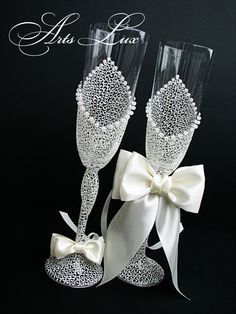 https://www.etsy.com/listing/125586439/ivory-charming-wedding-champagne-glasses?ref=shop_home_active