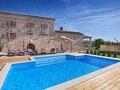 Ferienhaus (Villa) Zaneta für 12 Personen  Details zur #Unterkunft unter https://www.fewoanzeigen24.com/kroatien/istarska/52341-rovinjzminj/Villa-mieten/24861:-110944050:0:mr2.html  #Holiday #Fewoportal #Urlaub #Reisen  #Ferienhaus #Villa #Kroatien