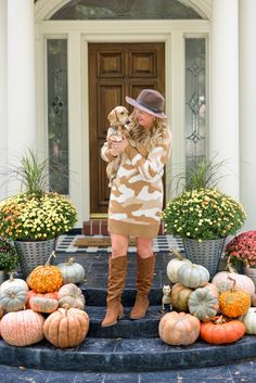 Top US Fashion and Lifestyle Blogger Fancy Ashley is sharing her favorite Fall Finds from Walmart.  Lots of fun and cozy pieces that are comfy and perfect for the cooler weather.