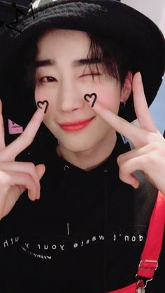 Find images and videos about victon and seungwoo on We Heart It - the app to get lost in what you love. Kpop, Twitter Video, Alice, Love U Forever, Dimples, Boyfriend Material, Minho, Cute Boys, Boy Groups