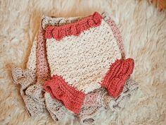 31 Crochet Diaper Cover Patterns Crochet Bebe, Crochet For Kids, Crochet Hooks, Crochet Children, Irish Crochet, Easy Crochet, Diaper Cover Pattern, Kids Photo Props, Crochet For Beginners Blanket