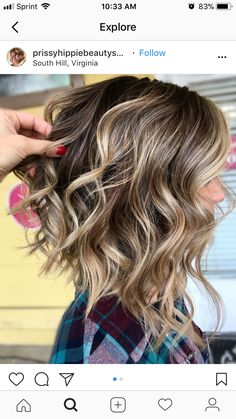 Inverted Curly Lob with Highlights to do wavy hair 50 Trendy Inverted Bob Haircuts Medium Hair Styles, Curly Hair Styles, Inverted Bob Hairstyles, Pixie Haircuts, Braided Hairstyles, Funky Hairstyles, Layered Haircuts, Formal Hairstyles, Thick Haircuts