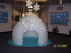 Can't believe I made this for our book fair!  The kids loved it!!!