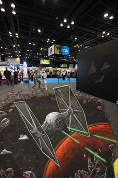 Star wars at comic con, Dubai - 25 Realistic Street Art by Joe and Max ! 3d Street Art, Amazing Street Art, Street Art Graffiti, Street Artists, Amazing Art, Awesome, Pavement Art, 3d Chalk Art, Sidewalk Chalk Art