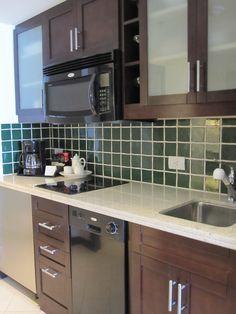 pretty kitchen colors - Home Decor Diy Cheap Office Kitchenette, Kitchenette Ideas, Kitchen Dinning Room, Basement Apartment, Compact Kitchen, Pretty Room, Mini Kitchen, Basement Renovations, Furniture Layout