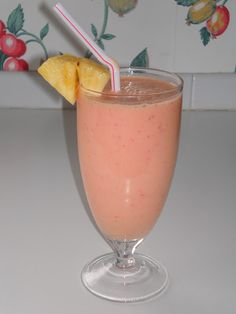 Kandy's Kitchen Kreations: Frothy Fruit Smoothies